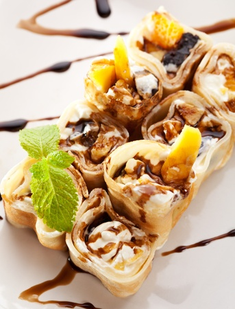 Fruta dulce Sushi Roll photo