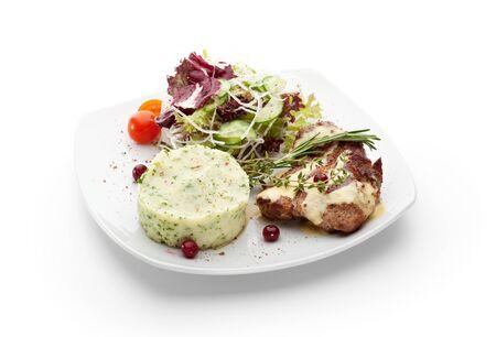PURE: Carne de cerdo a la plancha con puré de patatas y verduras crudas