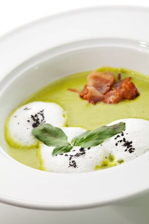 Creamy Green Peas Soup with Bacon photo