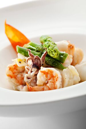 Steamed Seafood Salad with Asparagus photo