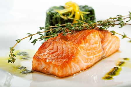 fish sauce: Baked Salmon Steak with Spinach and Lemon Slice