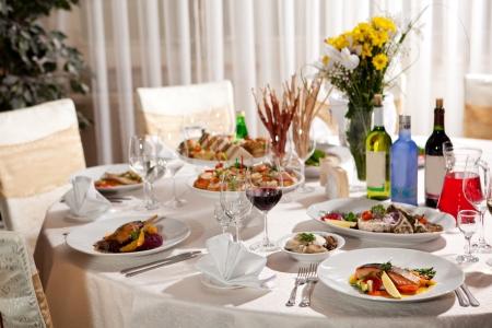 Restaurant Food - Lachssteak und Goose Beine