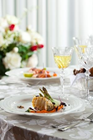 seabass: Lubina a la plancha con pur� de patatas y zanahorias Esp�rragos