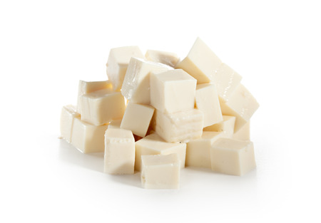 queso de cabra: Queso Feta aislado más de blanco