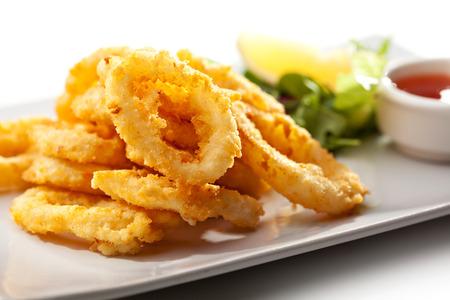 Frittierte Tintenfischringe Standard-Bild - 26679556
