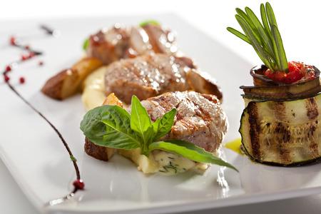 rosmarin: Pork Medallions with Mashed Potato and Mushrooms