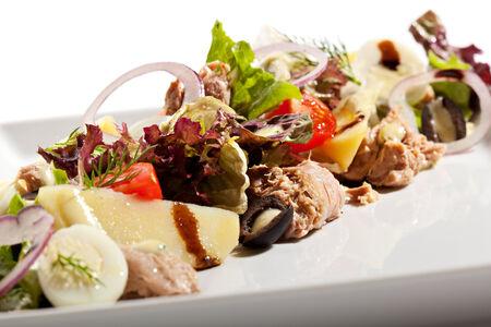 potato tuna: Salad with Fried Tuna, Potato and Vegetables