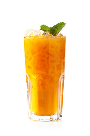 argousier: Argousier limonades isolé sur fond blanc Banque d'images