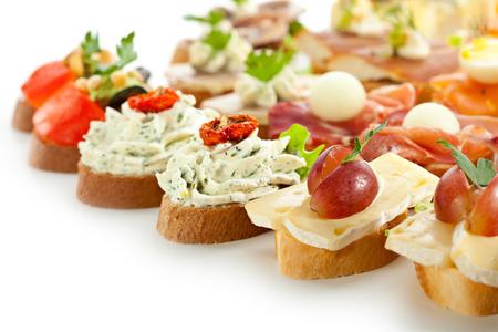 Käse und Fleisch Canapes Tiefenschärfe