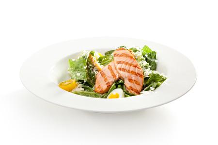 ensalada cesar: Ensalada César con salmón barbacoa