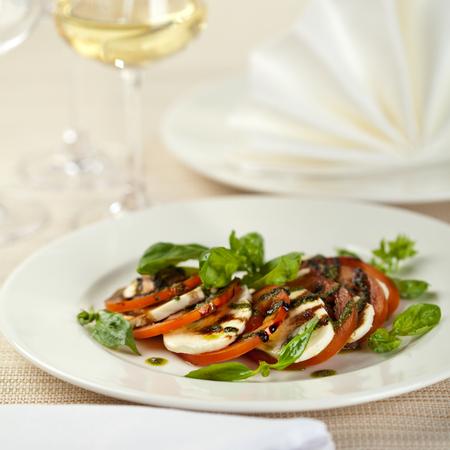 caprese salad: Salad Caprese with White Wine