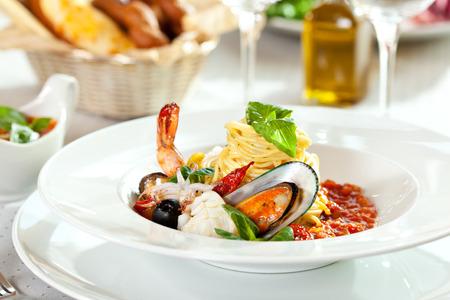 Delicious Seafood Spaghetti Selective Focus Standard-Bild