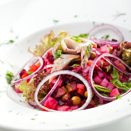 ensalada rusa: Ensalada de remolacha y arenque