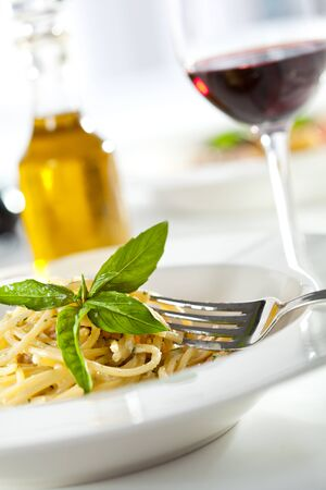 wine sauce: Spaghetti with Dorblu Cheese and Basil Leaf