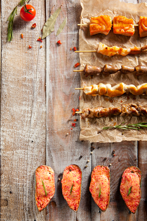 prawn skewers: Grilled Tasty Foods and Baked Mussels on Parchment