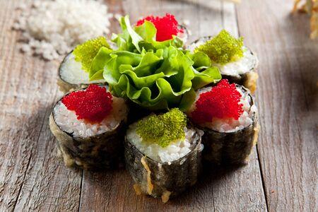 japanese sake: Tempura de Maki Sushi - Roll con salmón y Tobiko