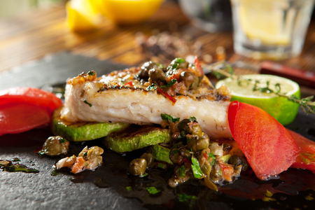 pikeperch: Grilled Fish Fillet with Vegetables