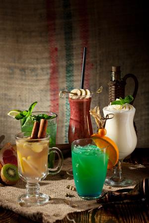 frescura: Varios Cócteles sin alcohol Frescura Foto de archivo