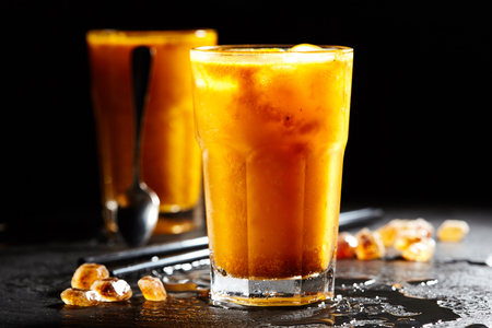 ice crushed: Sea Buckthorn Lemonades with Crushed Ice Stockfoto