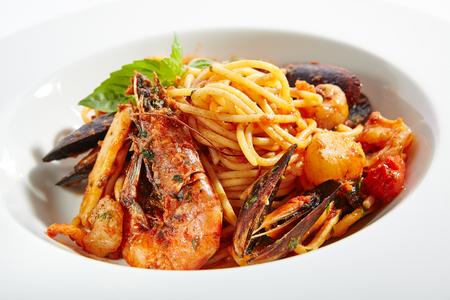 Pasta italiana con frutti di mare