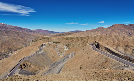 Road in the Atlas Mountains, south of Morocco Banque d'images