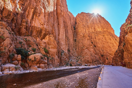 Todgha Gorge or Gorges du Toudra is a canyon in High Atlas Mountains near the town of Tinerhir, Morocco 版權商用圖片