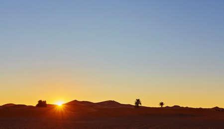 Sand dunes in the Sahara Desert, Merzouga, Morocco 版權商用圖片