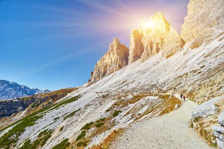 Autumn landscape at Tre Cime di Lavaredo in the Italian Alps 版權商用圖片