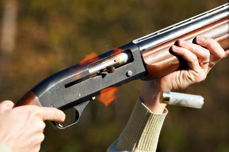 Time of shot from gun. Departing sleeve. Standard-Bild