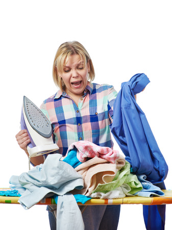 Женщина в стрессе от домашней работы изолированной