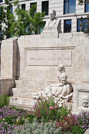 Juan Valera y Alcalá-Galiano. Spanish realist author, diplomat, and politician Imagens