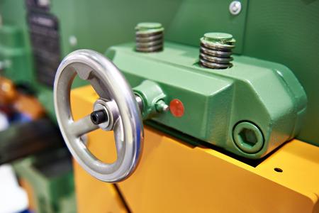 Round handle Screw-type control machine tool