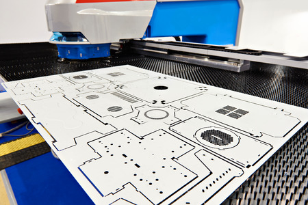 Electro mechanical coordinate punch press with CNC Banque d'images