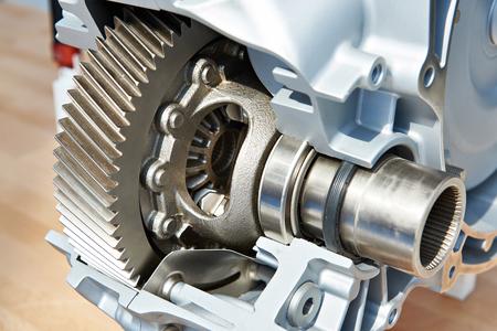 Engrenage d'entraînement principal en transmission automatique en section