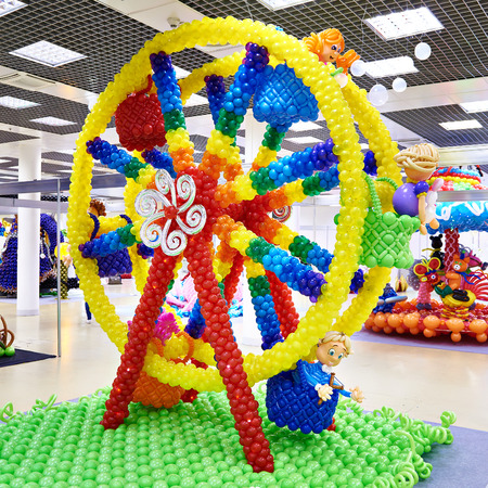 Ferris wheel from air inflatable balls indoors