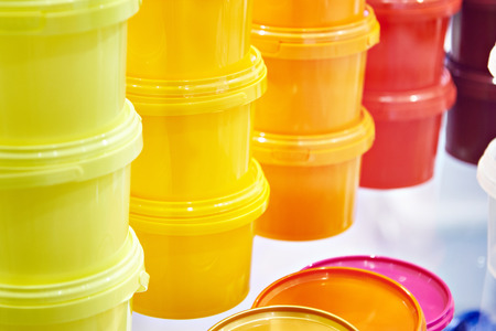 Color plastic store containers for storing and transporting food