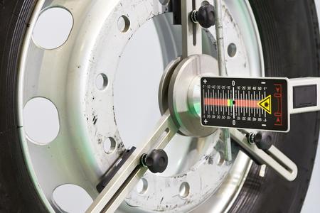 Laser sensor tool measurement system for truck