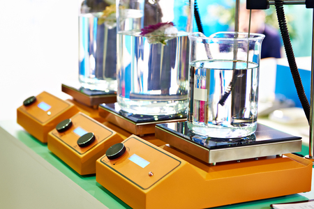 Flask Heaters in lab Фото со стока