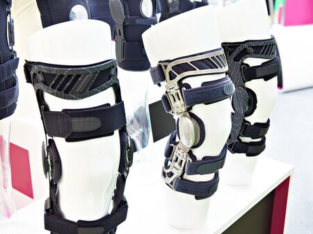 Foot orthoses for the knee joint in exhibition store Banco de Imagens