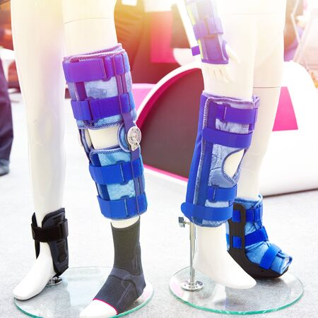 Children on foot orthoses for the knee joint