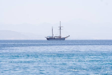 Sailing yaht on Red Sea Stock Photo - 8324005