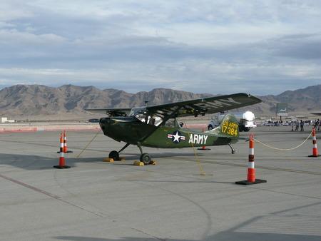 Military air show - Liaison plane