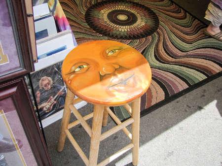 Johnson City, Tennessee / United States - Blue Plum Festival - Artistic bench Publikacyjne