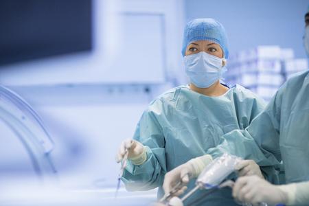 外科手術での手術を行います。