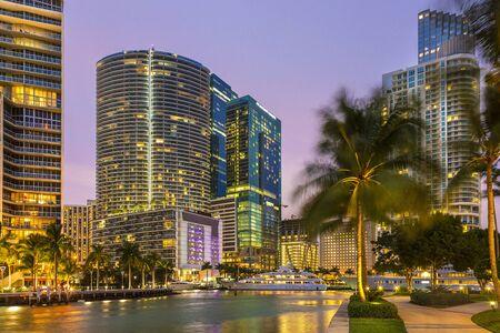 Miami, Downtown District at Dusk Banque d'images