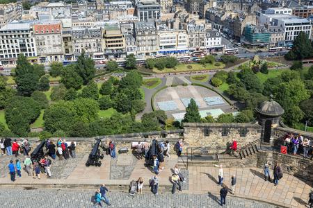 Princes street Gardens viewed from Edinburgh Castle 新聞圖片