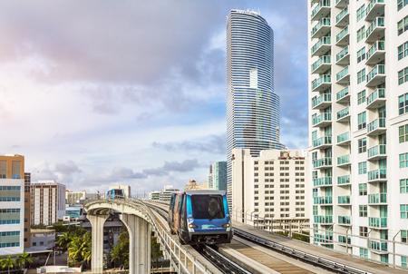 Metrorail and Miami Tower, Miami downtown