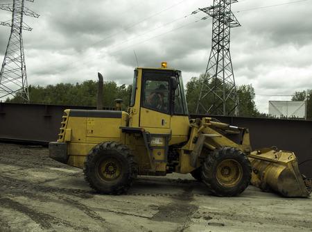 wheel loader: Wheel loader machine on the construction site