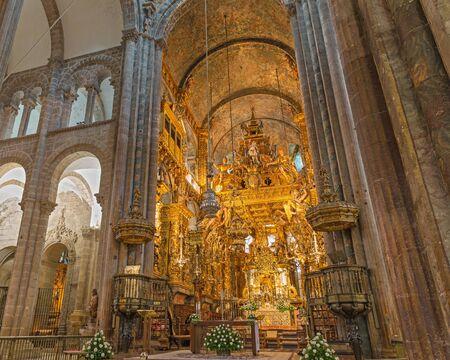botafumeiro and altar  2 Stock Photo - 14148324