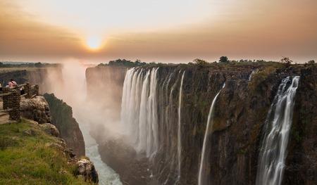 ビクトリア フォールズ日没、ザンビアからの眺め 写真素材